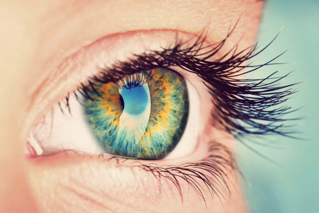 What happens if I blink during laser eye surgery_4